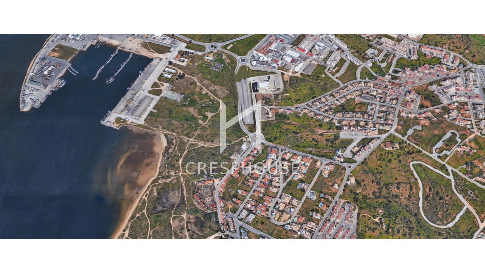 Moradia em Banda T4 em Lagoa  - Lagoa, União Das Freguesias De Estômbar E Parchal